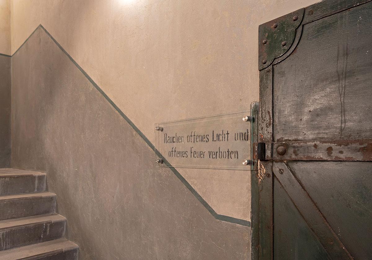Treppenhaus nach Sanierung